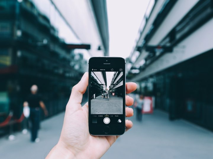Pros & Cons of Smartphone Technology